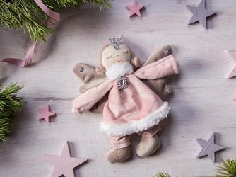 Zawieszka choinkowa  dekoracja  ozdoba pluszowa na boże narodzenie altom design anioł 16 cm różowy