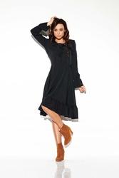 Czarna sukienka w stylu boho ze sznurowanym dekoltem