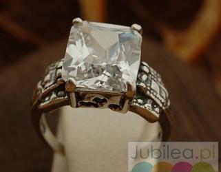 Aleros 2 - srebrny pierścionek z kryształem