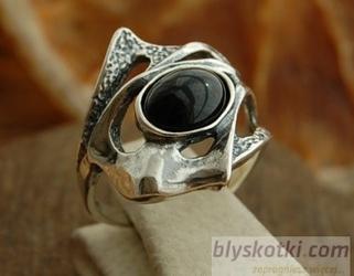 Fane - srebrny pierścionek z onyksem