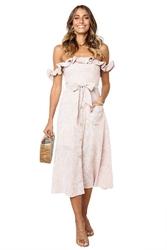 Letnia sukienka z falbankami pastelowo różowa