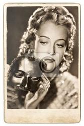 Plakat portret młoda kobieta z karnawałowe maski
