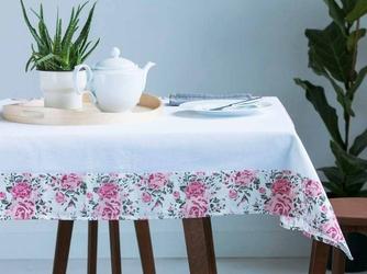 Obrus na stół  serweta altom design biały z obszyciem róża 110 x 160 cm