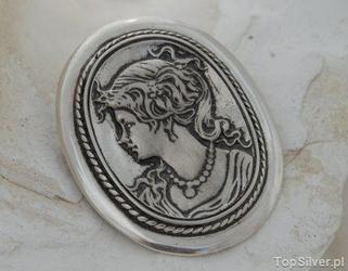 Kamea - srebrna broszka na prezent