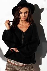 Luźny czarny sweter z dekoltem w szpic