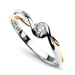 Staviori pierścionek zaręczynowy. 1 diament, szlif brylantowy, masa 0,15 ct., barwa g, czystość si1. białe i żółte złoto 0,585.
