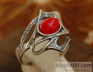 Siret - srebrny pierścionek z koralem
