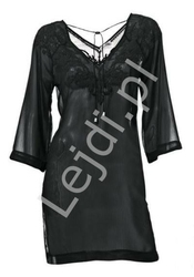 Czarna szyfonowa bluzka wyszywana w kwiatowy wzór