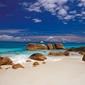 Seszele, kamienie na plaży - fototapeta