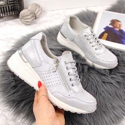 Sneakersy skórzane na koturnie ażurowe srebrne vinceza - srebrny