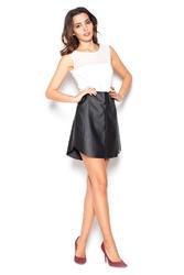 Czarna trapezowa mini spódnica ze skóry ekologicznej