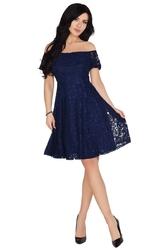 Rozkloszowana granatowa sukienka z koronki z odkrytymi ramionami