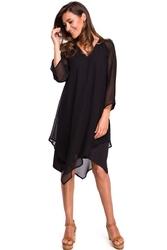 Asymetryczna Czarna Sukienka Dwuwarstwowa z Dzwonkowym Rękawem