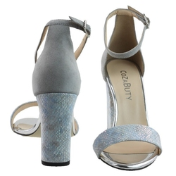 Szare  sandały vogue carla cozabuty
