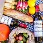 Fototapeta zestaw surowych warzyw z winem fp 916