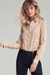 Koszula w geometryczne wzory