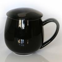 Kubek z zaparzaczem i pokrywką czarny – idealny zestaw do przygotowania herbaty, perfekcyjny podarunek prezent dla mamy, taty, babci, dziadka