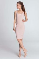 Różowa dopasowana sukienka na ramiączkach z dekoltem w serce