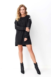 Czarna prosta sukienka z cekinami i eko-skórą