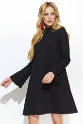 Czarna odmładzająca trapezowa sukienka z poszerzanym rękawem