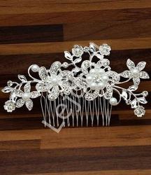 Duży ślubny grzebyk z kwiatowym wzorem z cyrkoniami i perełkami