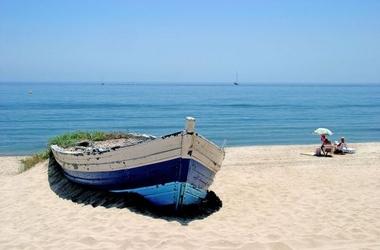 Stara zapomniana łódź - fototapeta