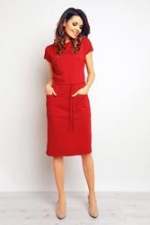 Czerwona sukienka midi z kieszeniami