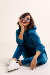 Niebieskie welurowe dresy komplet bluza + spodnie