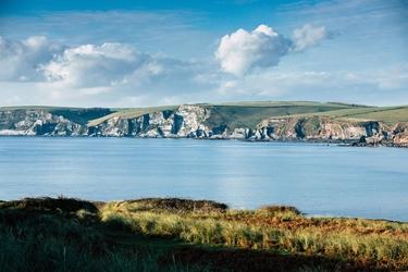 Burgh island cliffs - plakat premium wymiar do wyboru: 91,5x61 cm