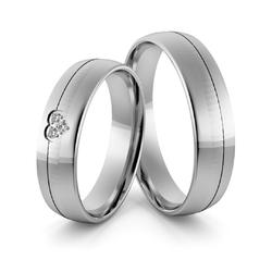 Obrączki ślubne z białego złota palladowego z sercem i brylantami - au-967