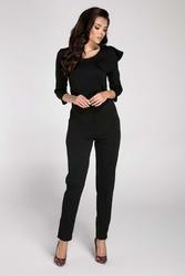 Czarny elegancki kombinezon z falbanką na ramieniu