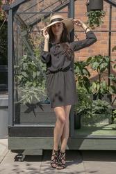 Czarna Codzienna Komfortowa Sukienka Sznurowana przy Dekolcie