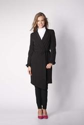 Czarny płaszcz z długim rękawem