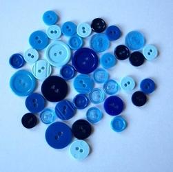 Kolorowe guziki 3 wielkości40 szt - niebieski mix - NIEM
