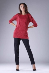 Czerwona dzianinowa bluzka z kieszeniami