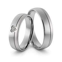 Obrączki ślubne z białego złota niklowego z sercem i brylantami - au-966