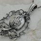 Iglesia - srebrny wisiorek z kryształkami swarovskiego