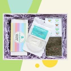 Zestaw prezentowy na wyjątkową okazję teabox bestsellers. zestaw 20 herbat różnego rodzaju i smaku 20x 58g, elegancki dyspenser na saszetki i bawełniany filtr do herbaty