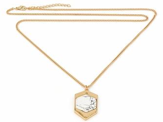 NASZYJNIK złoty ŁAŃCUSZEK geometryczny wzór MARMUR - Biały