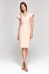 Ołówkowa sukienka z motylkowym rękawkiem - różowa