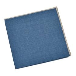 Elegancka niebieska poszetka z kremową obwódką