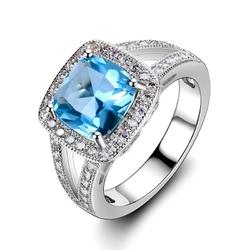 Srebny pierścionek z akwamarynem