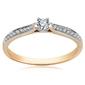 Staviori pierścionek. 1 diament, szlif brylantowy, masa 0,03 ct., barwa h, czystość si1-si2. 18 diamentów, szlif brylantowy, masa 0,13 ct., barwa h, czystość si1-i2. żółte złoto 0,585.
