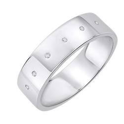 Staviori obrączka. 6 diamentów, szlif brylantowy, masa 0,02 ct., barwa h, czystość si2. białe złoto 0,585. szerokość 5,5 mm. grubość 1,2 mm.  dostępne inne kolory złota.