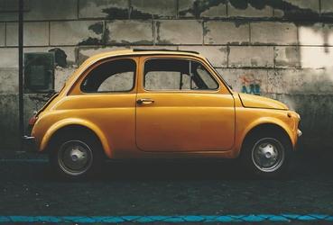 Fototapeta na ścianę samochód w kolorze musztardowym fp 5997