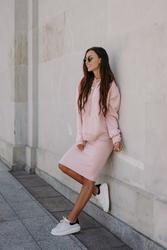Swetrowy komplet bluza + spódnica - różowy