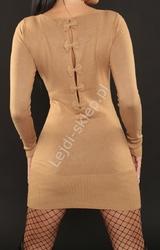 Beżowa dzianinowa sukienka z kokardkami na plecach 3063