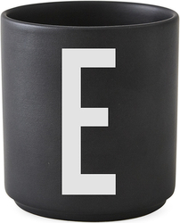 Kubek porcelanowy AJ czarny litera E