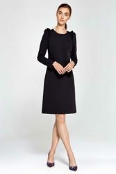 Czarna Sukienka Trapezowa z Małymi Falbankami