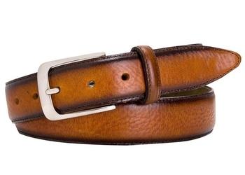Elegancki koniakowy pasek skórzany męski z ciemniejszymi brzegami 110